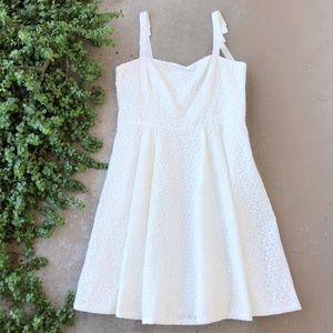 Gal Meets Glam Helen White Lace Grosgrain Dress